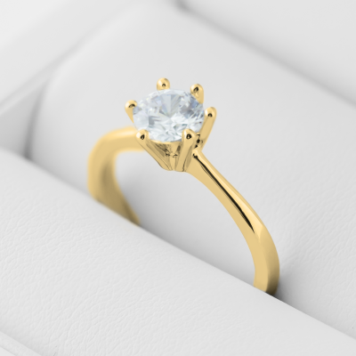 STAMI gold diamond engagement ring
