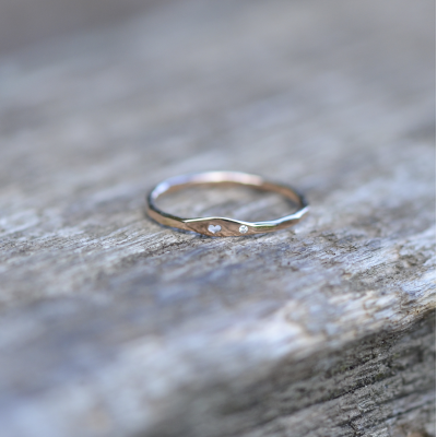 Gold ring with diamond with engraving heart VENI