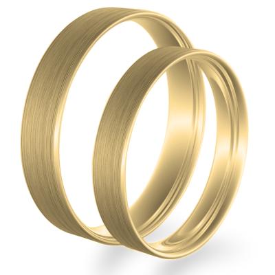 Flat matt wedding rings made of yellow gold