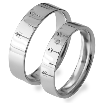 Gold wedding rings with engraved trees FORI
