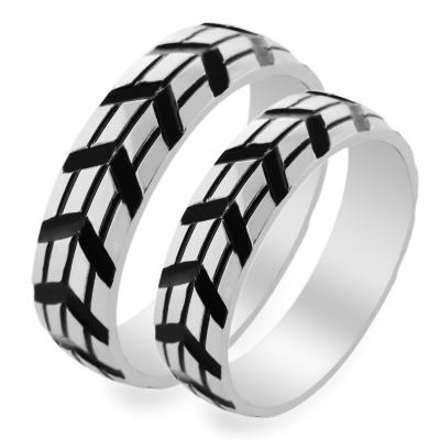Originální zlaté snubní prsteny v kombinaci s černým rutheniem INGA