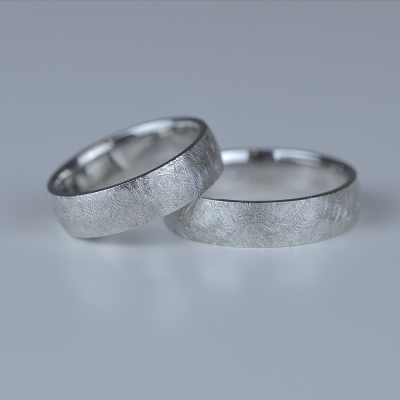 KAWI platinum wedding rings