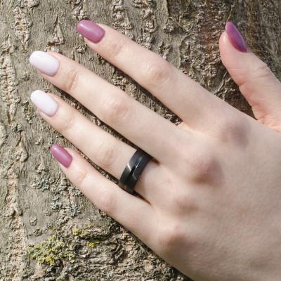 Zlaté snubní prsteny pokryté černým rutheniem LENSVIK
