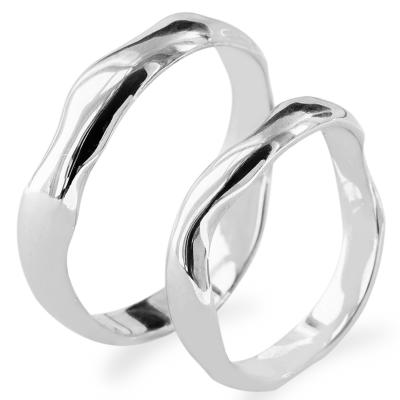 Irregular atypical wedding rings made of gold LUANA