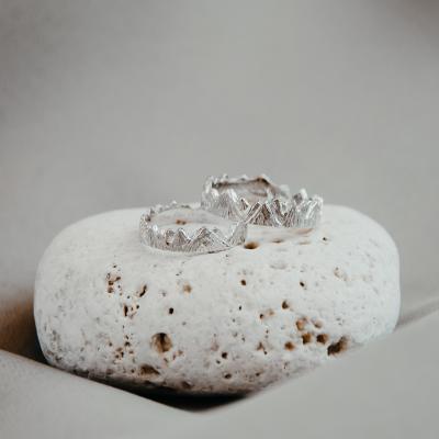 Originální zlaté snubní prsteny na míru MONT