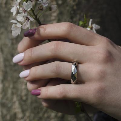 RIFA unordinary gold wedding rings