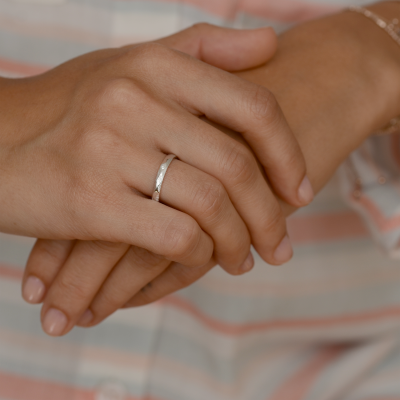 Snubní prsteny ze zlata s diamantem SILA